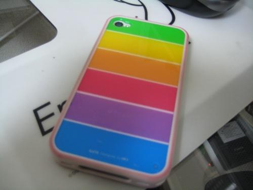 激安なのにすんばらしいiPhoneケース!LIMS iPhone4 レインボーカバーをレビュー!