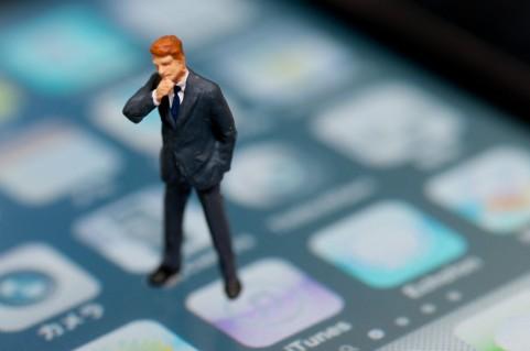 AT&T、解約済みiPhoneをロック解除へ