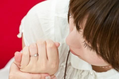 夫が思うよりも妻は結婚指輪をつけていない