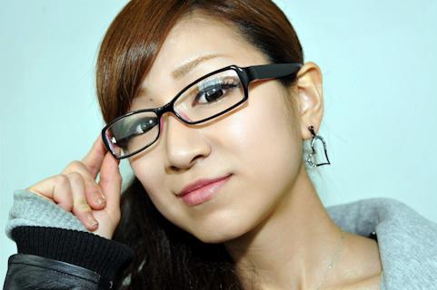 続々販売されるZoff PCやJINS PCのような「PC用メガネ」は効果があるのか?
