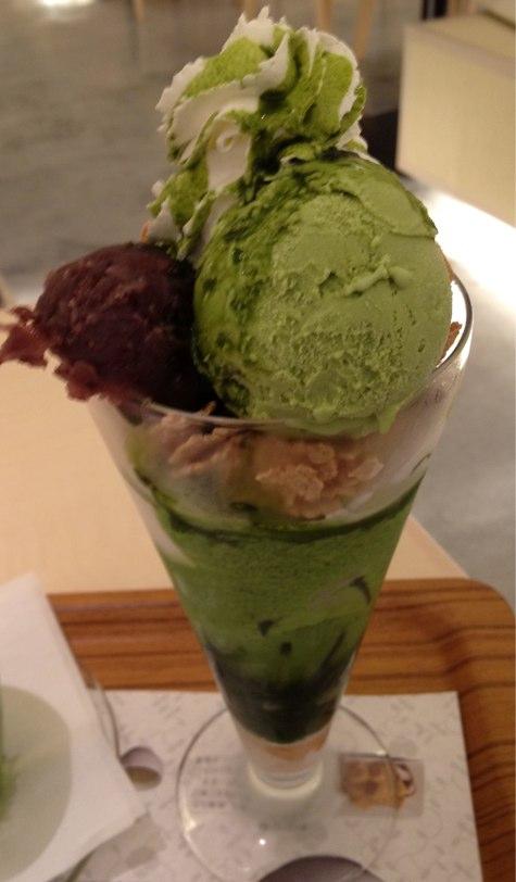 暑いからふらっとnana's green teaでパフェ食べてきた