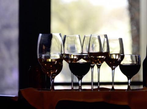 【動画】ワイングラスを使った「グラスハープ」で演奏した「スーパーマリオ」がすごい