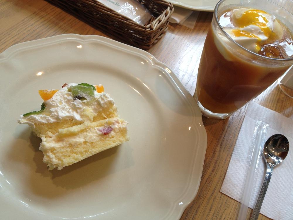 Afternoon Teaのショートケーキうますぎ。これで自分の中の「ケーキ勢力図」完成。