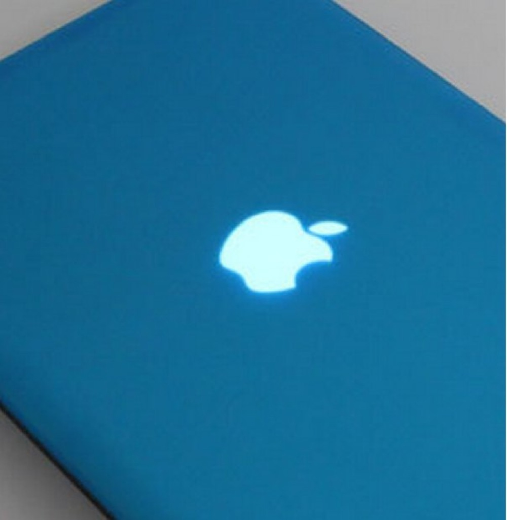 MacBook AirやMacBook Proと一体化するハードカバーケースが安い