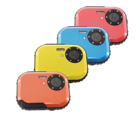 耐衝撃/耐寒/防塵/防水の無敵デジカメが4999円