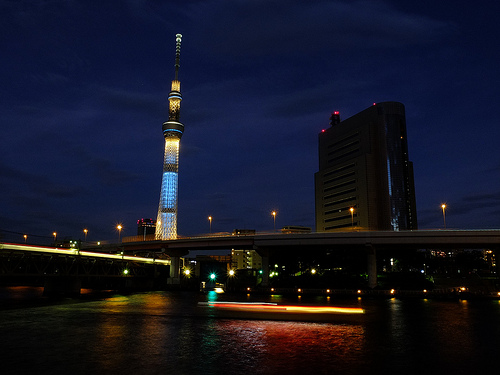 東京スカイツリーの入場者が100万人を突破、記念品はスカイツリーの1千分の1の模型