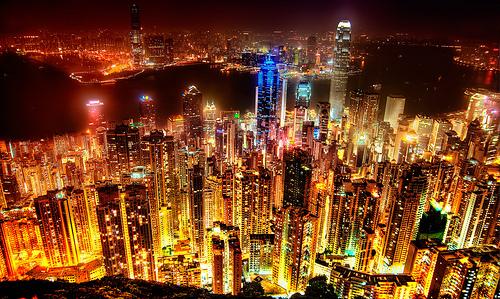 世界で最も物価が高い都市は?東京では、ビックマックを買うために「9分」の労働が必要