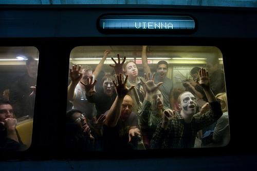 朝のラッシュ時、一番混んでいるのは何線のどの駅間でしょう?