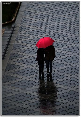自転車等で両手がふさがっていてもさせる傘がちょっと勘違いしてる