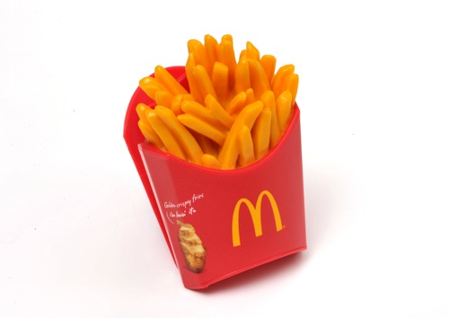 今度はマグネット!マクドナルド、人気メニューの「フードマグネット」をプレゼント!