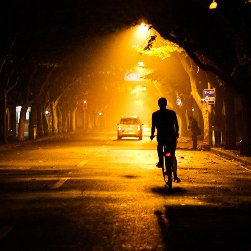 「女子中学生が自転車で帰宅中、後ろからきた自転車の男がそれを追い抜く」という凶悪事案が発生