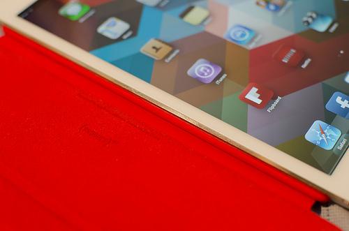 【完全版】iPad miniをフラット契約するときのau・SoftBank料金比較表(訂正版)【これを見ればオッケー】