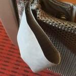 ロマンスカーの座席の後ろについてる「輪っか」の謎を解き明かしました
