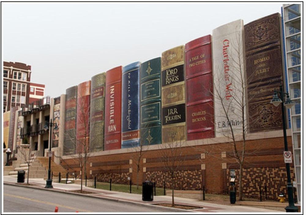 図書館の壁が本