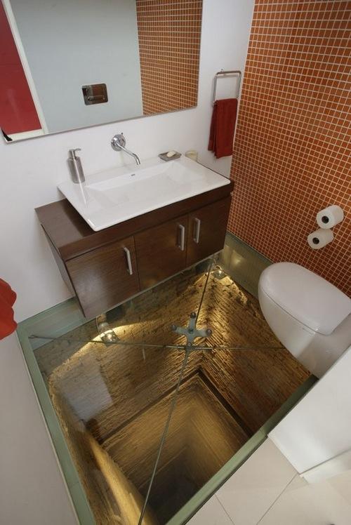 45m下が見えるトイレ