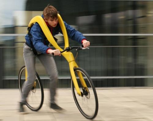 蹴って進む自転車